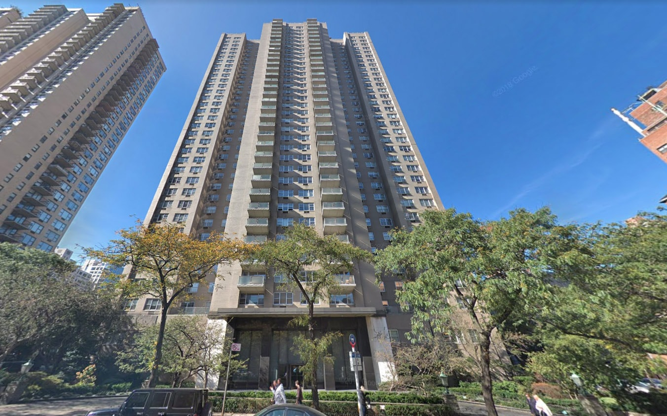 The Stratford At 1385 York Avenue In Upper East Side