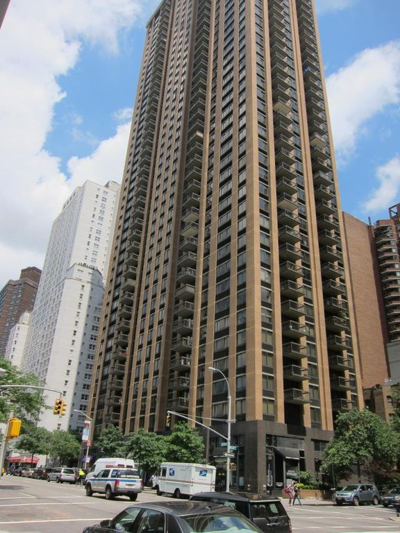 Tower 67 At 145 West 67th Street In Upper West Side