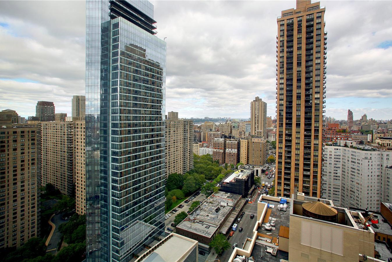 3 Lincoln Center At 160 West 66th Street In Upper West