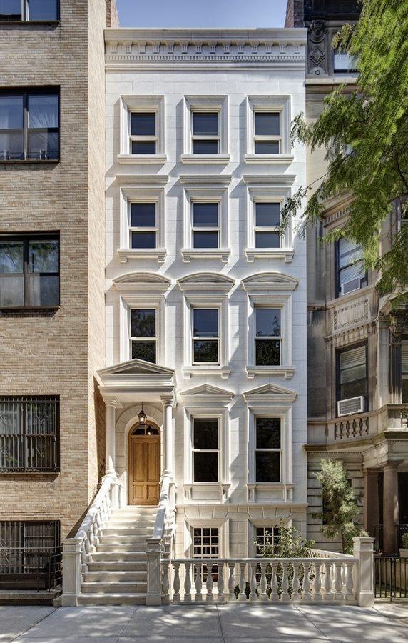 Billionaire couple snags 26m upper east side townhouse for Upper east side townhouse for rent