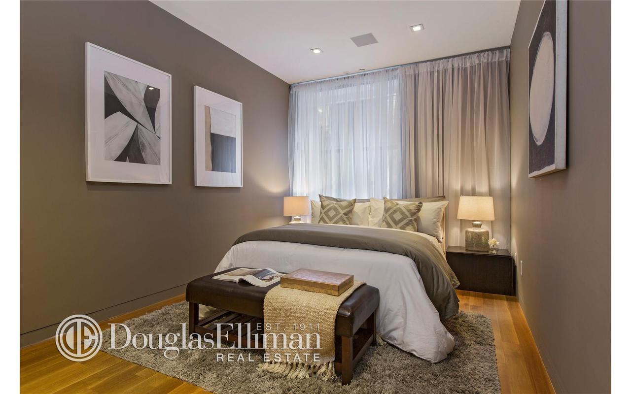 738 broadway paris hilton bedroom 2