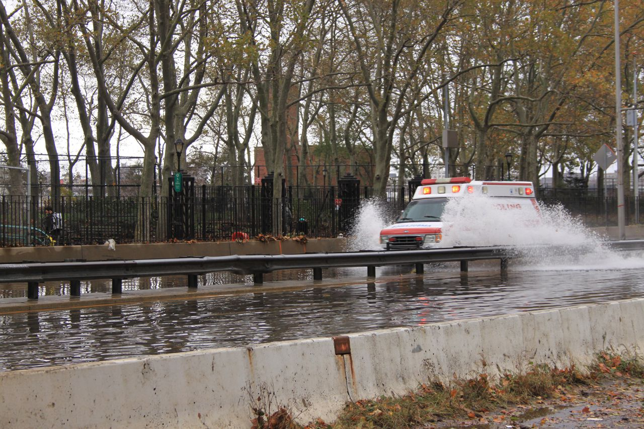 Emergency cars had difficulty finding their way through the flooding of hurricane sandy