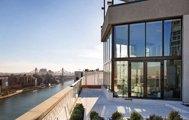 Sinatra s old pad still won t sell manhattan news for 41 river terrace new york