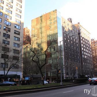 1055 Park Avenue Glass Structure