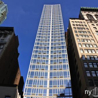 309 Fifth Avenue Glass Rental
