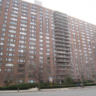 392 Central Park West Condominium