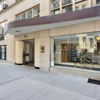 44 East 67th Street Modern Living