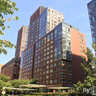 Liberty Green 300 North End Avenue Luxury Rental Leaving