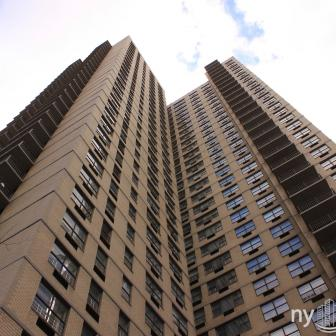 The Fairmont 300 East 75th St luxury apartments