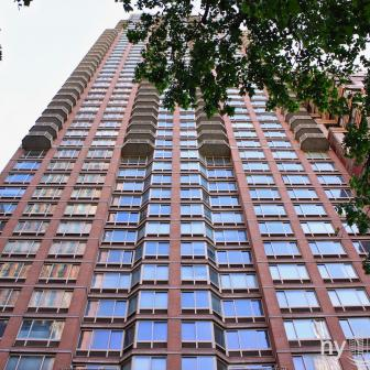 Instrata NoMad 10 East 29th Street Building