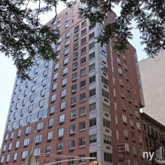 The Montrose 308 East 38th Street Building