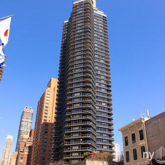 The Savoy - 200 East 61st St condo built in 1986