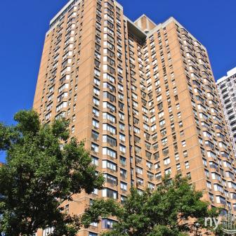 Windsor Court - 155 East 31st Street in Murray Hill
