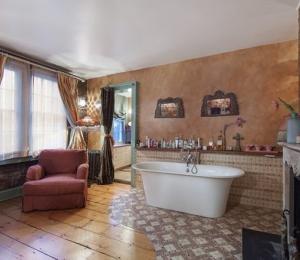 46 Commerce Street Carly Simon living room