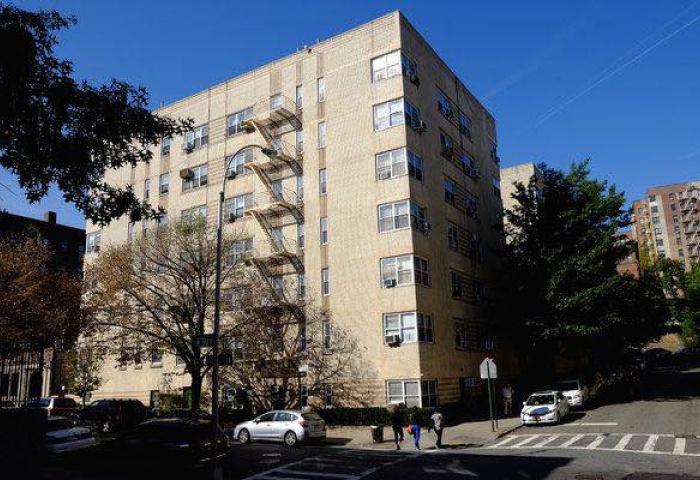 100 Bennett Avenue Low-rise Property