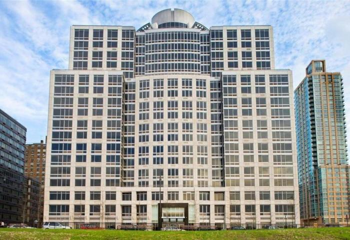 120 Riverside Boulevard Condominium
