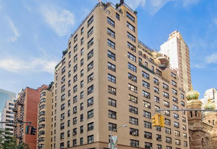 135 East 54th Street Building