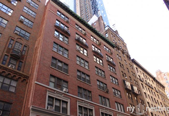 140 West 58th Street co-op