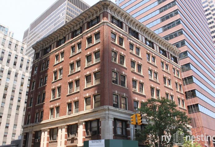 160 Front Street -  Pre-war Construction