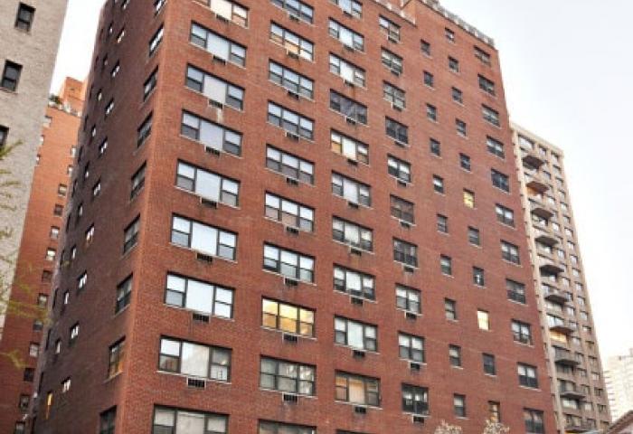 165 East 72nd Street Building