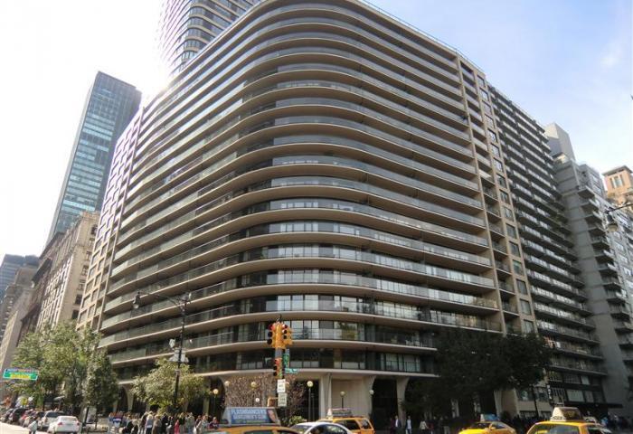 200 Central Park South Building
