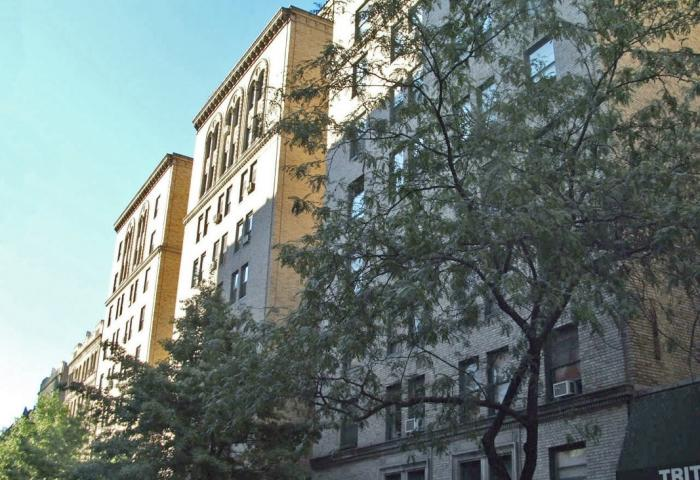 325 West 45th Street Co-op