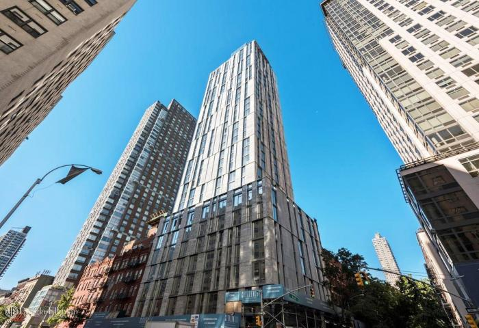Apartments for sale at Citizen 360 in Manhattan