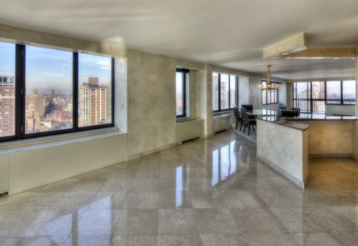 422 East 72nd Street living area and kitchen