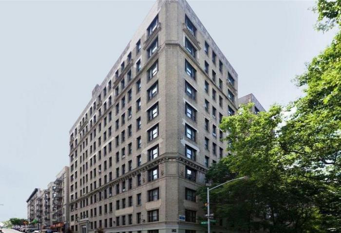 725 Riverside Drive Building