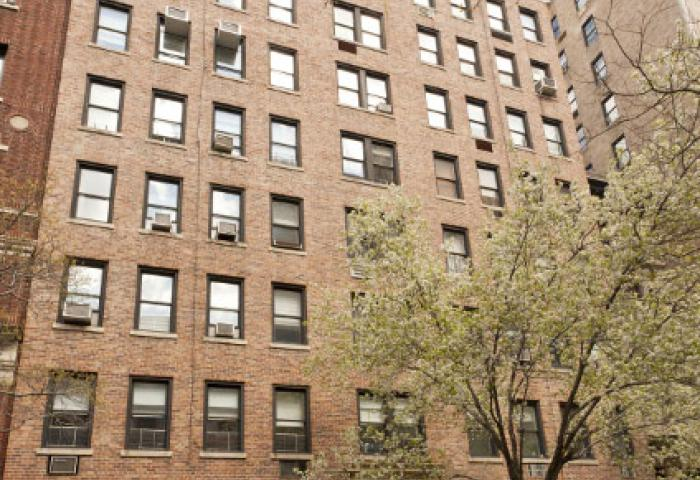 11 West 69th Street Building