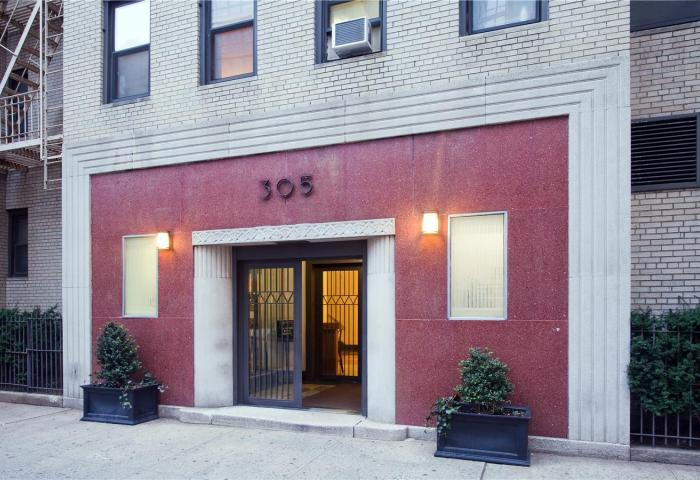 305 West 52nd Street Condominium