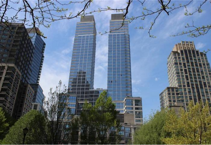 80 Riverside Boulevard and its twin towers