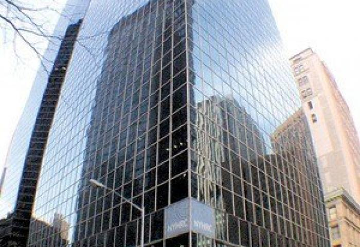 New York Plaza Glass Front