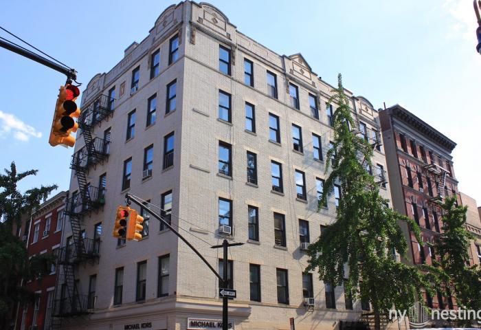 The Altavista Condo 92 Perry Street Walk-up Condominium