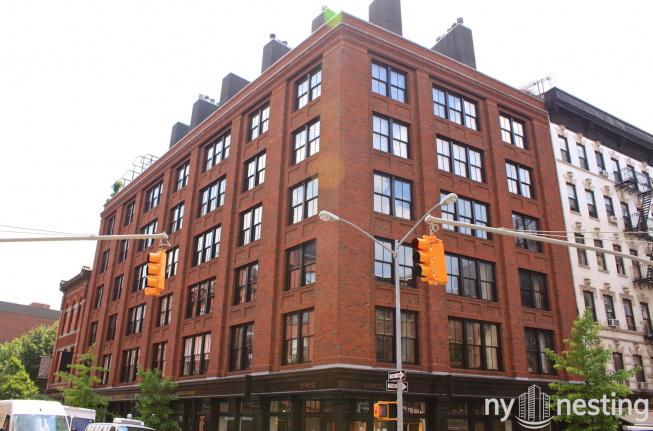 211 Elizabeth Street