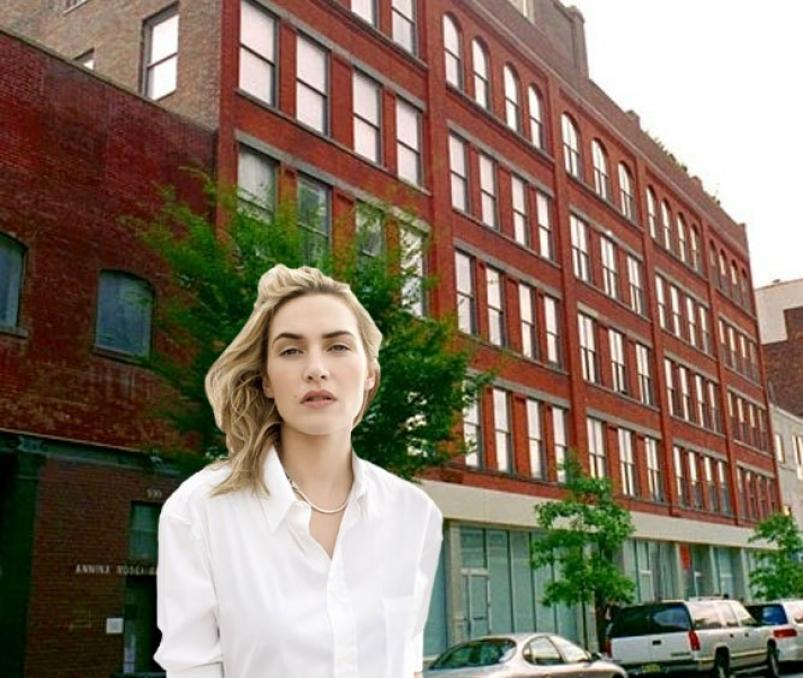 Kate Winslet next to her NYC Apartment eagle building