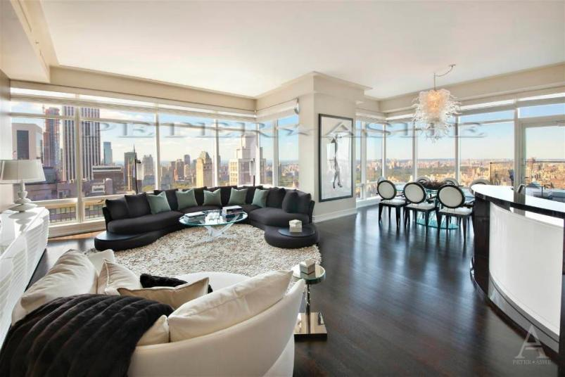 One Beacon Court at 151 East 58th Street living room