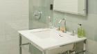211_east_51st_street_bathroom1.jpg
