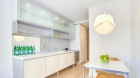 310_riverside_drive_kitchen.jpg