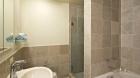 5th_on_the_park_bathroom.jpg