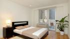 82_university_place_bedroom1.jpg