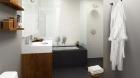 88_morningside_avenue_master_bathroom.jpg