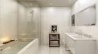 franklin_place_-_nyc_-_bathroom.jpg