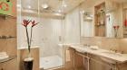 london_terrace_towers_bathroom.jpg
