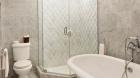 london_terrace_towers_bathroom1.jpg