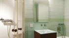 m_at_beekman_bathroom1.jpg