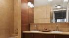 the_columbia_house_bathroom.jpg