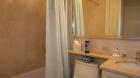 the_regent_bathroom.jpg