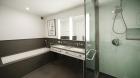 urban_glass_house_bathroom.jpg