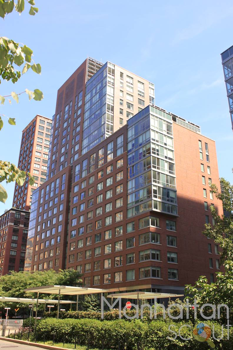 Liberty Green At 300 North End Avenue In Battery Park City